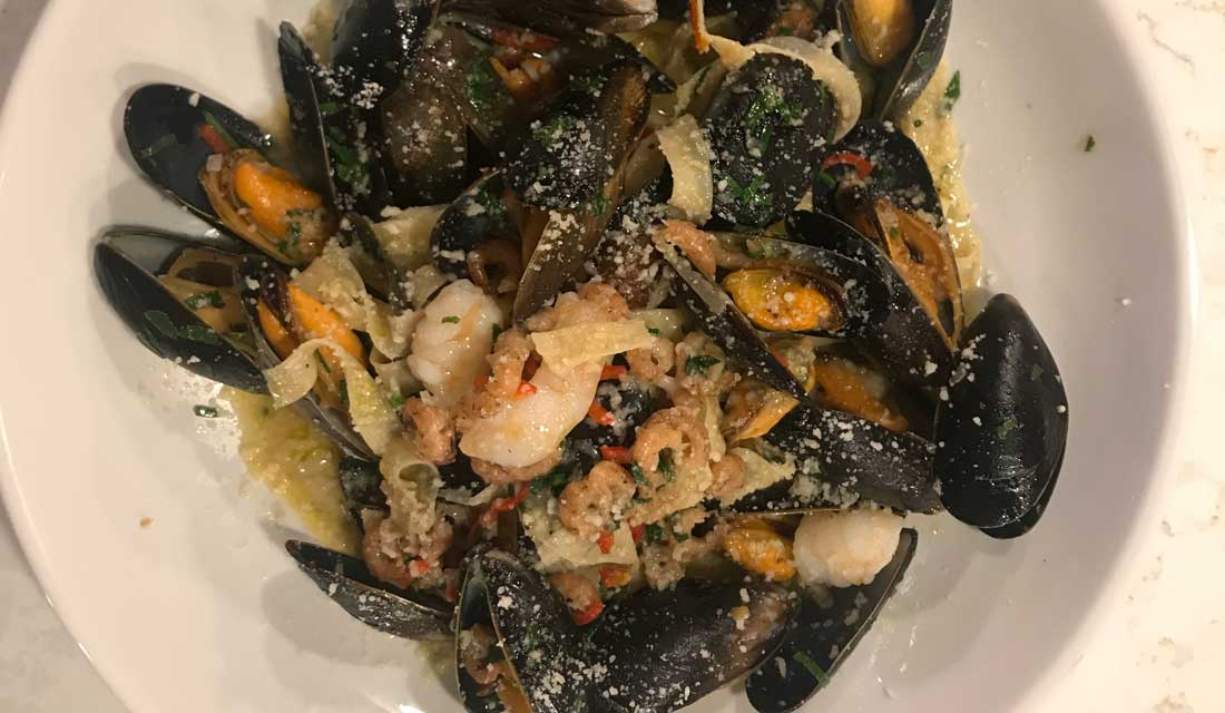 Masterclass recipe: Spaghetti with mussels, clams and brown shrimp